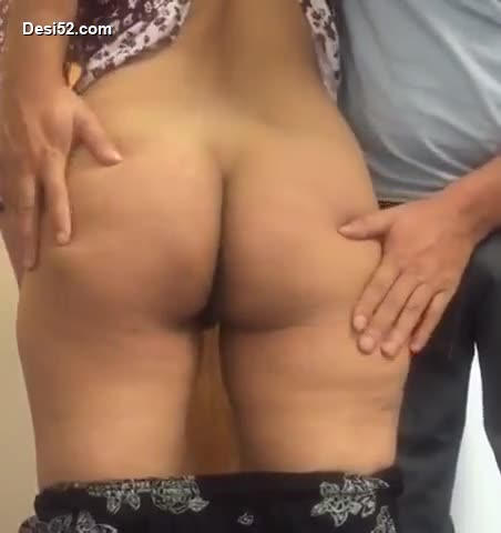 Mallu sexy NRI girl show her big ass